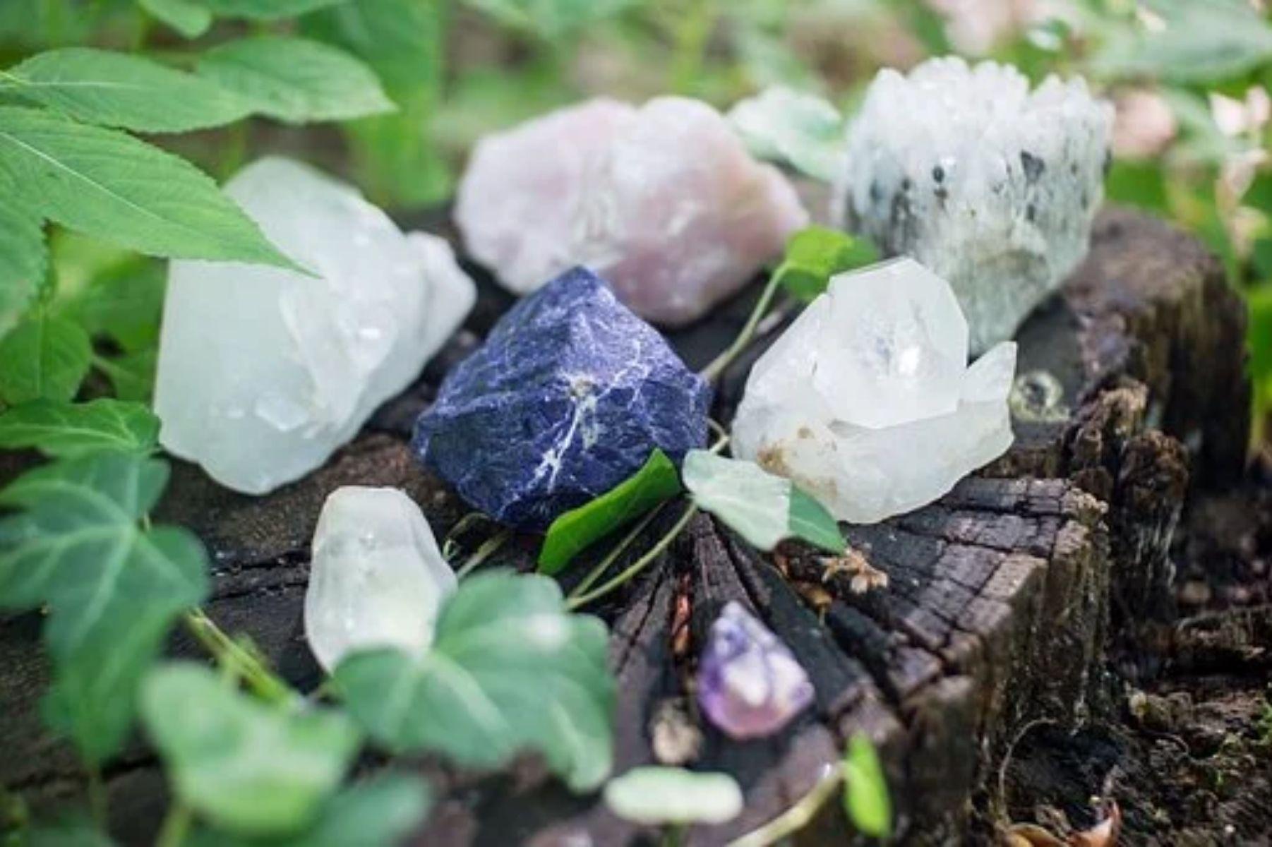 O que devemos saber sobre pedras e cristais