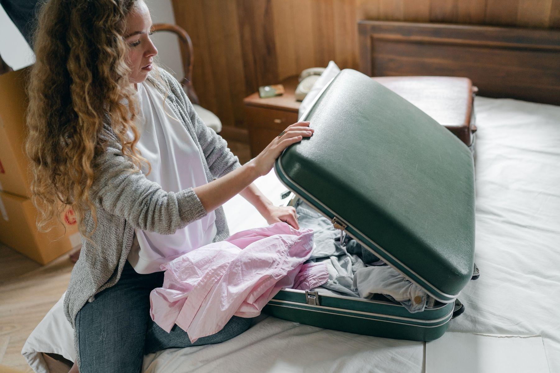 arrumando a mala de forma compacta